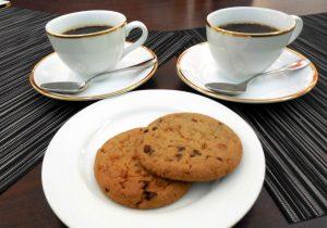 珈琲と焼き菓子サービス