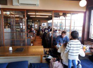 江の島亭店内